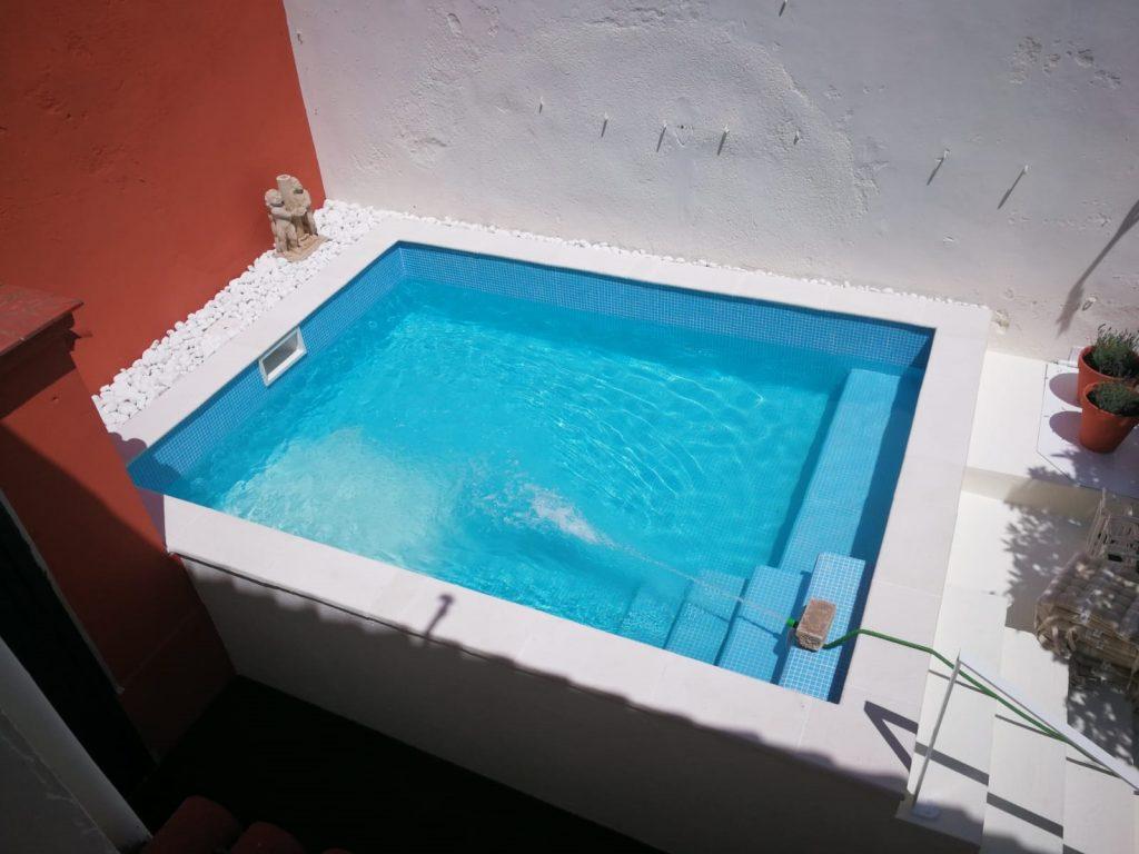 Movil piscinas de obra